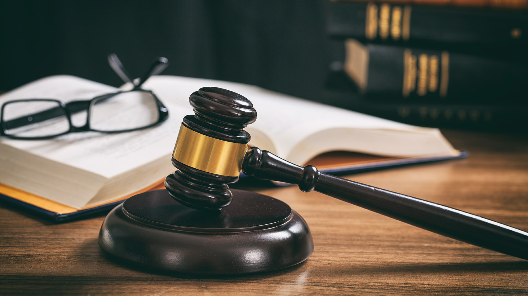 Pro advokáty afinanční společnosti